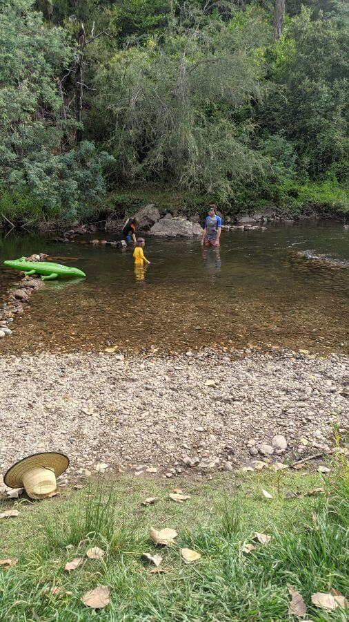 Hill Tribe Travels visited Jamieson Caravan Park. Here is water play at Jamieson